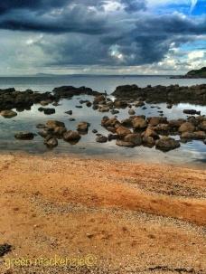 Scattered sea rocks