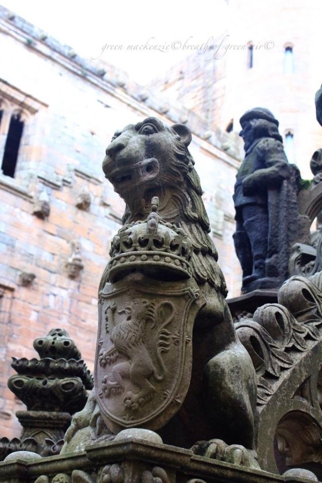 Linlithgow Palace Scotland.jpg