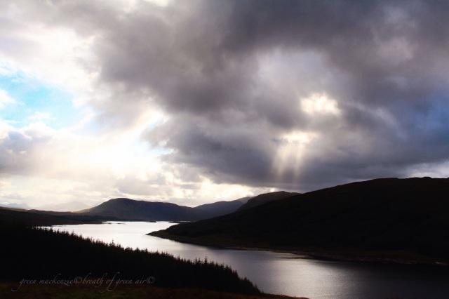 Loch Loyne sunburst Scotland.JPG